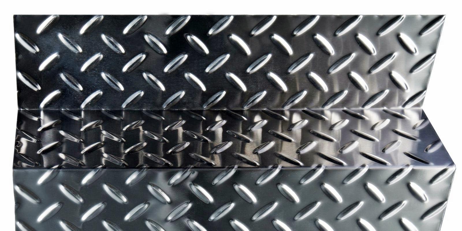 Рифленый стальной лист