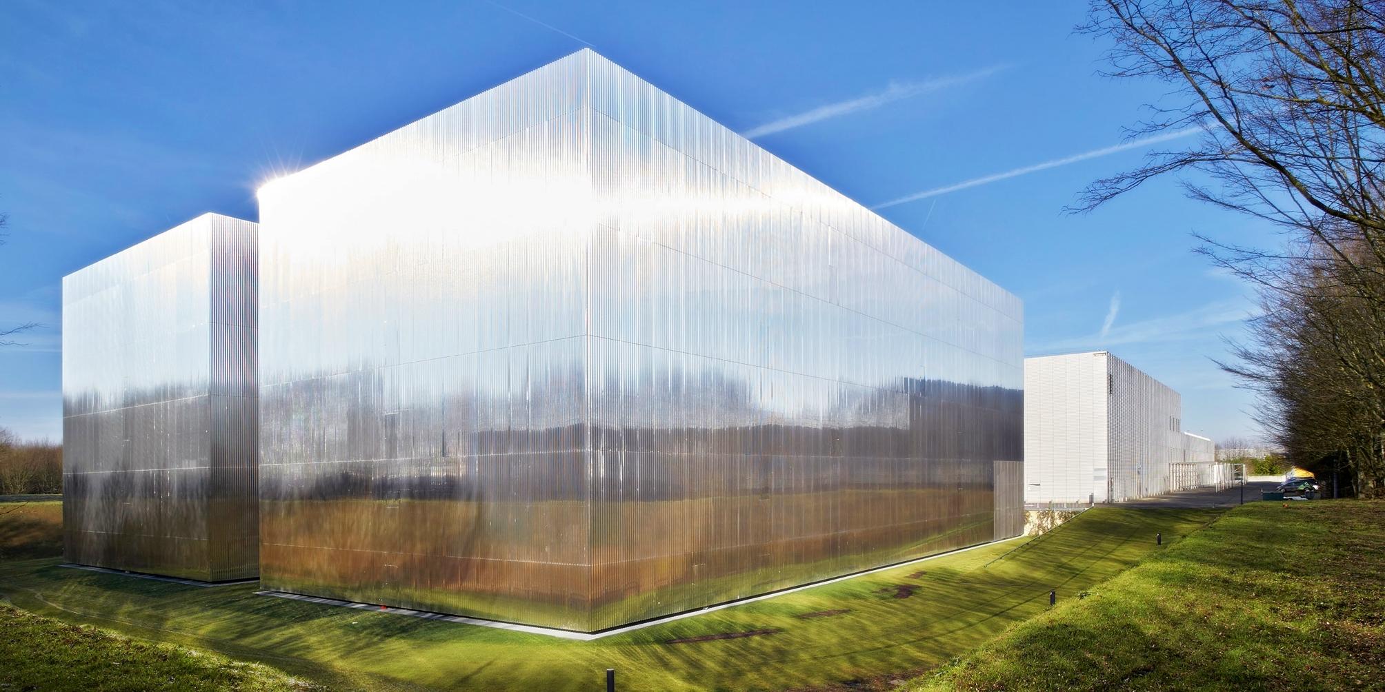 нержавеющая сталь в архитектуре